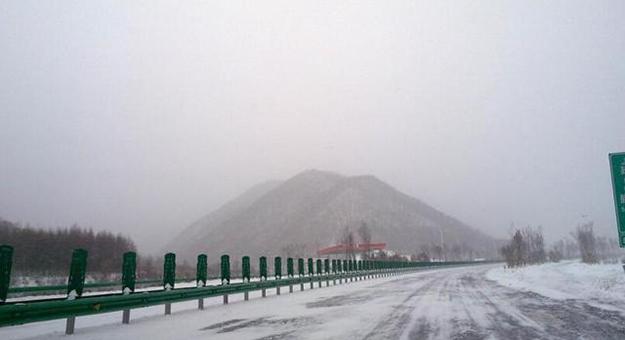 雪继续下!京沪高速莱芜段全部封闭!