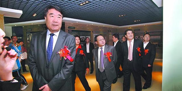 中纪委披露刘士合案细节,曾被群众争相挽留